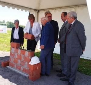 Valérie Liétard pose la première pierre de Mobilium