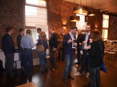 Discussions lors de la Vente privee programme immobilier neuf Roncq